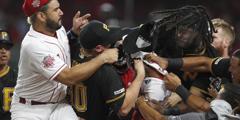 Reds, Pirates brawl