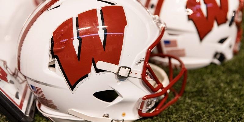 Wisconsin Badgers, helmet